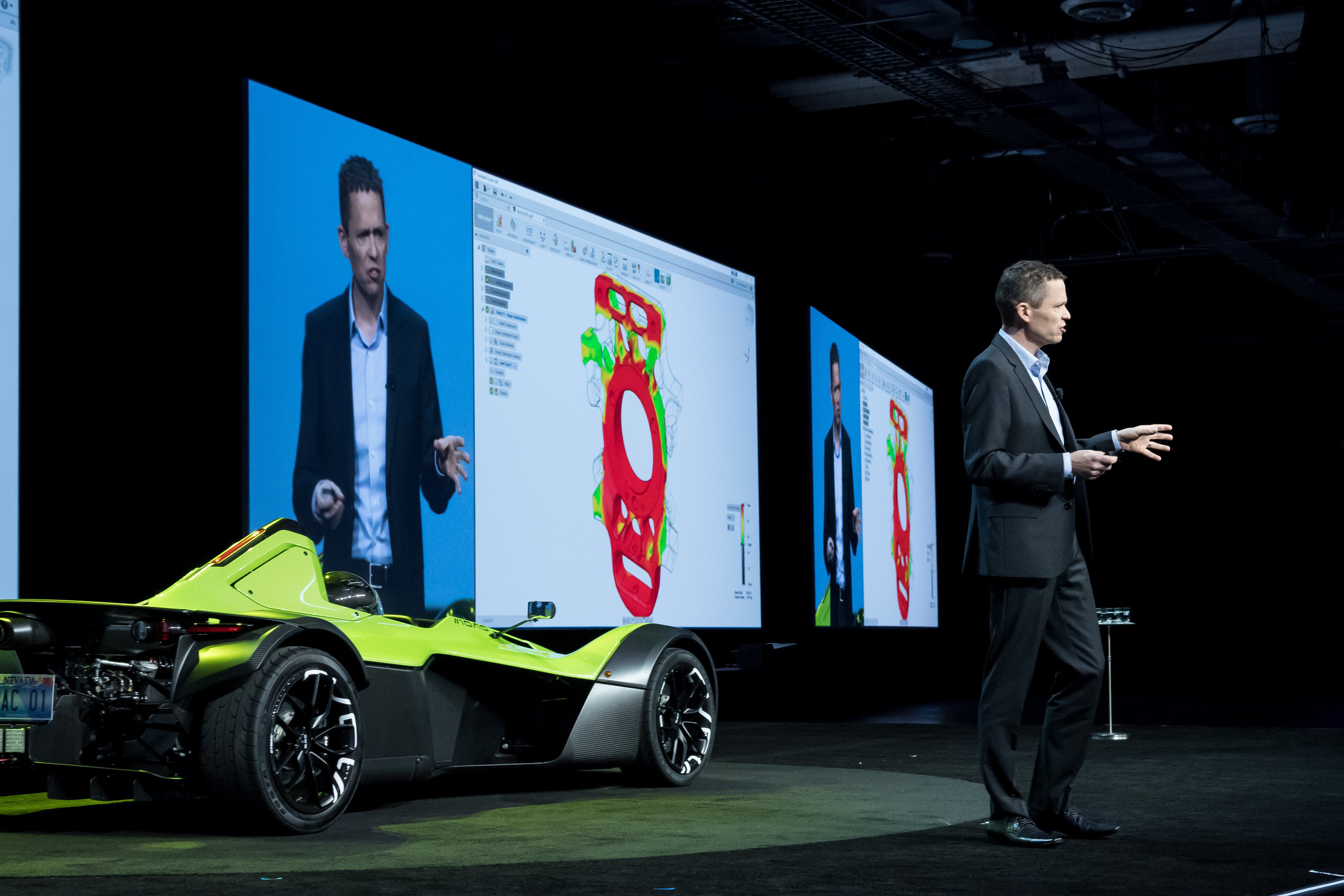 Autodesk Sr. Director & Bay Area Executive Speaking & Coaching program client, Steve Hopper on stage in front of 10,000 attendees at Autodesk University 2016.