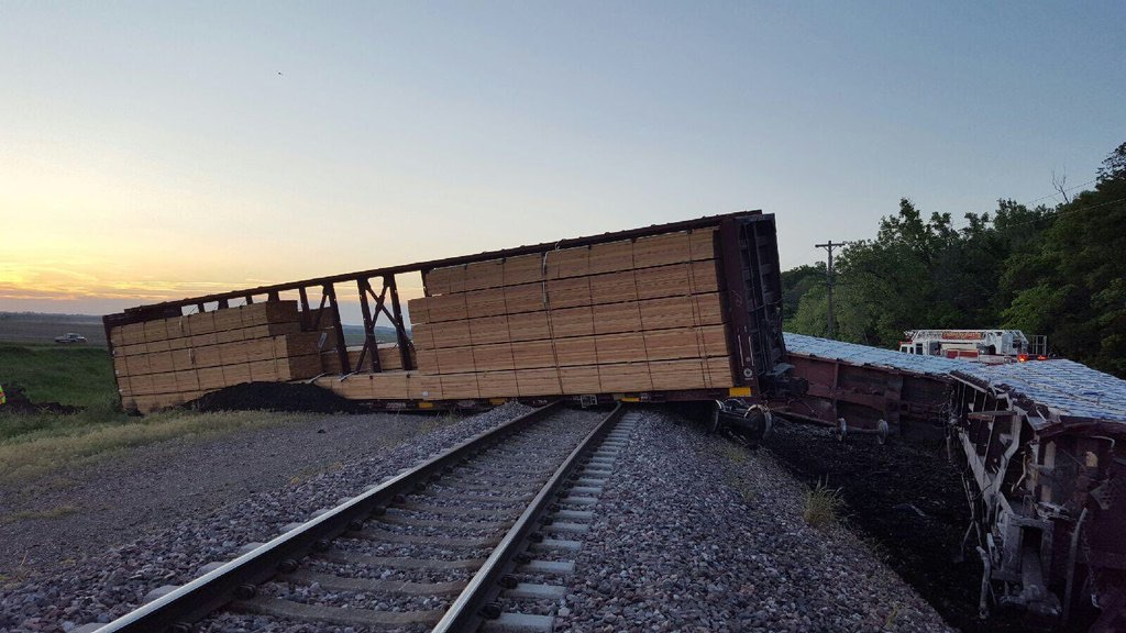 Photo courtesy of South Platte Fire Protection District A train derailment occurred late on the evening of Tuesday, May 11 near Farley, Mo. Six to seven cars carrying lumber left the track, spilling debris along Highway 45. The crash and resulting cleanup effort took almost two full days to complete, but no injuries were reported.