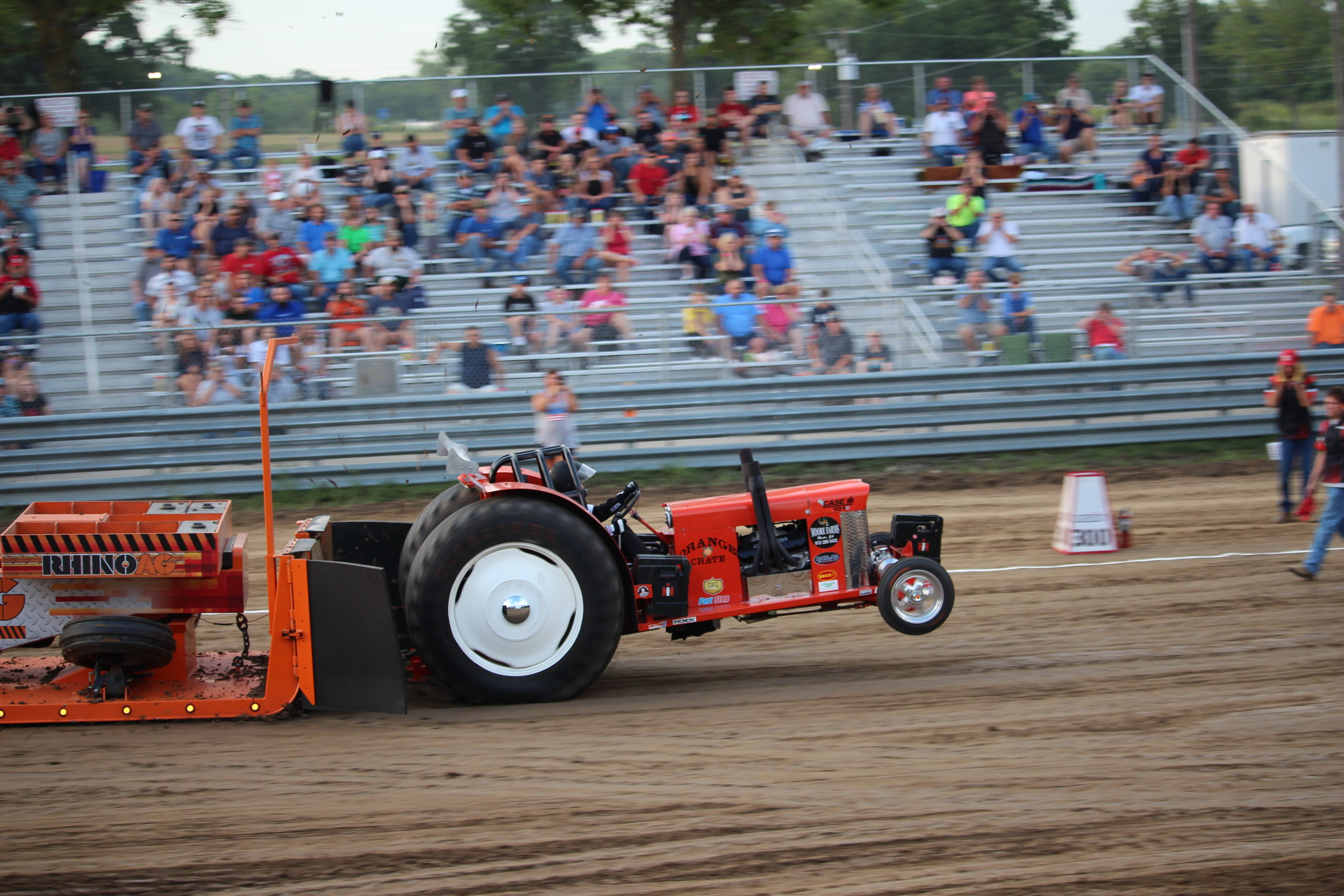 tractor pull 2.JPG