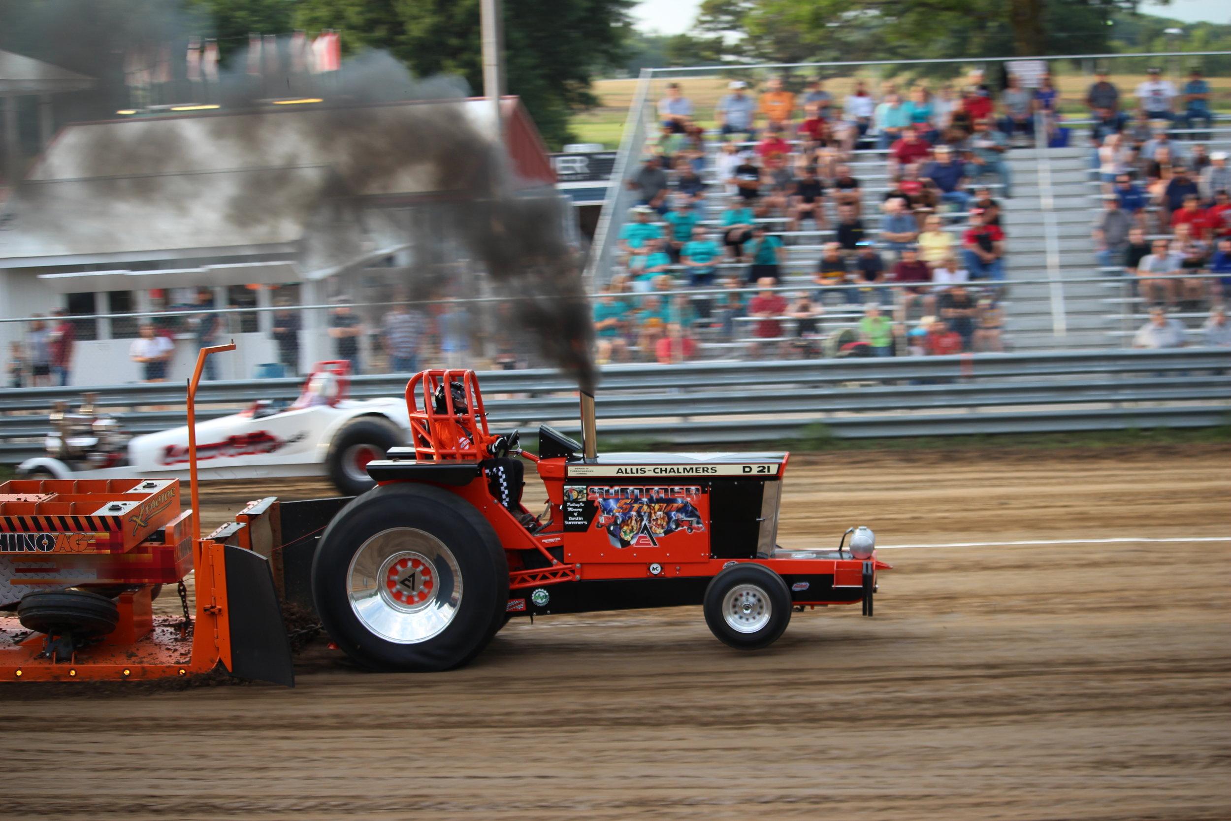tractor pull 5.JPG