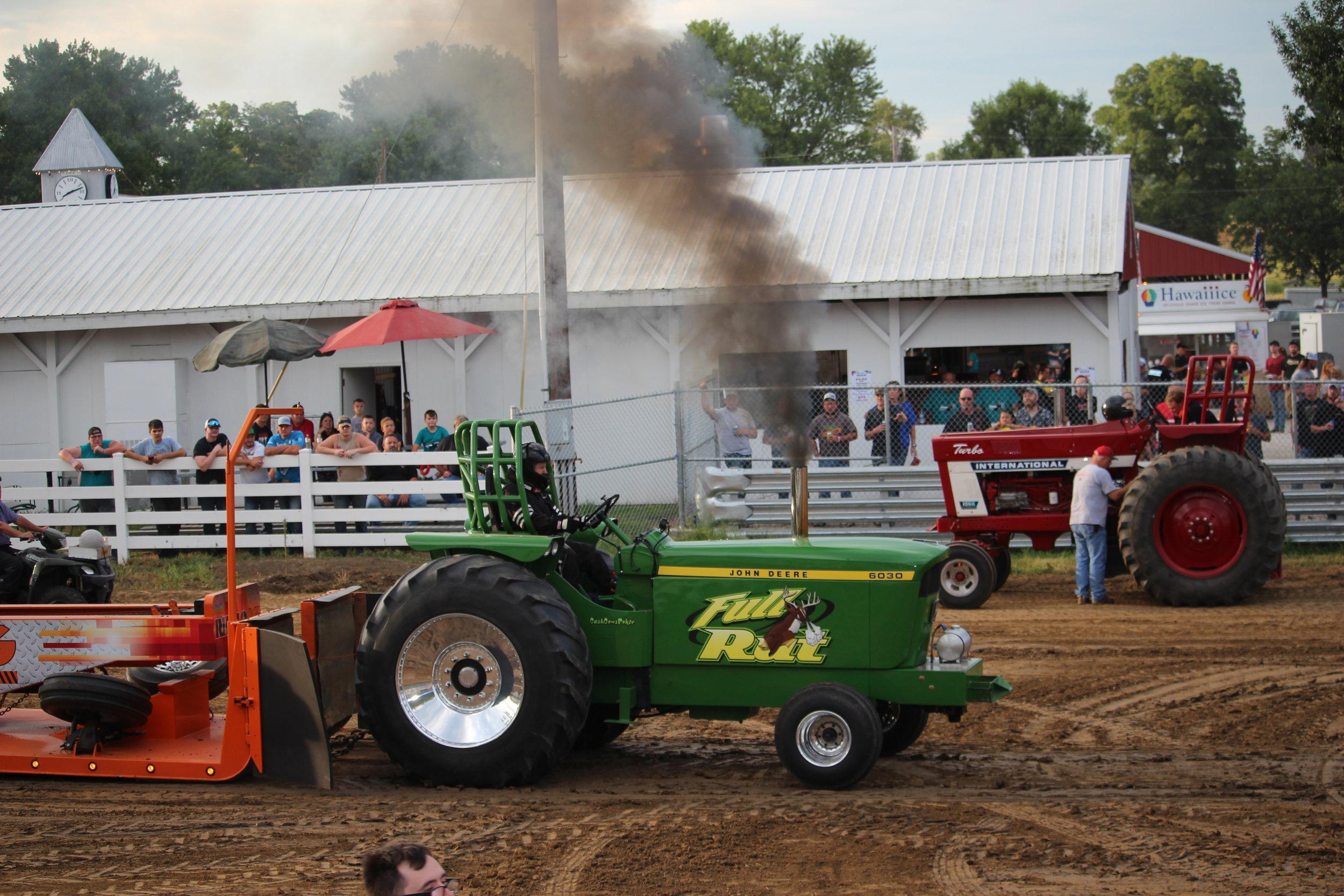 tractor pull 6.JPG