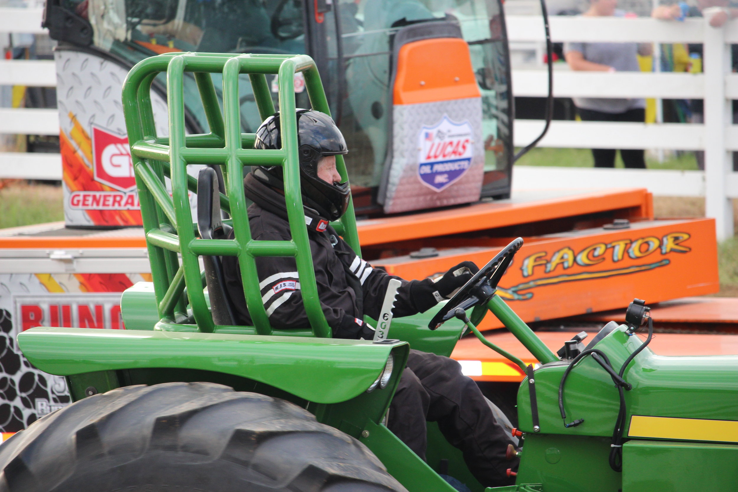 tractor pull 7.JPG