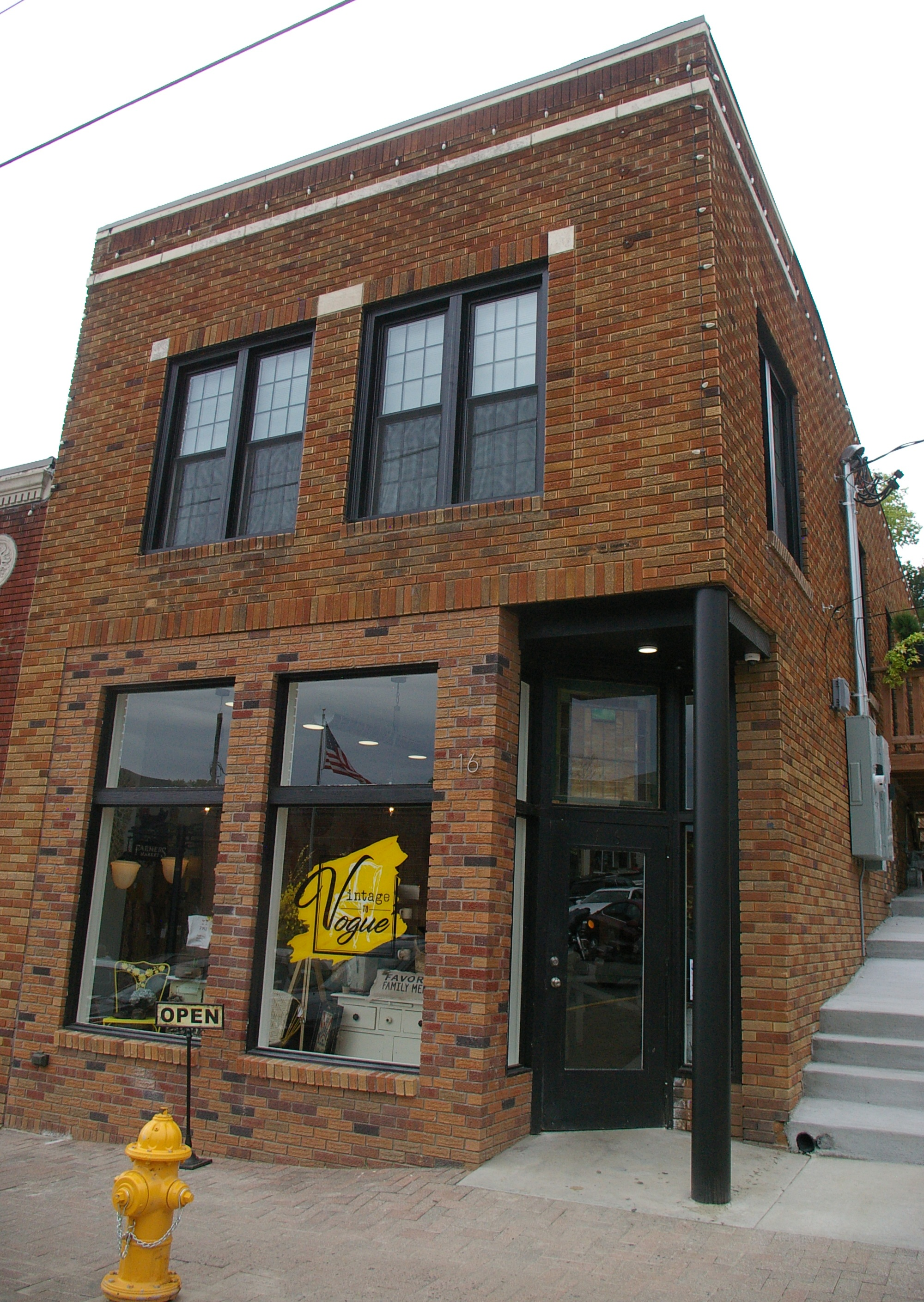 JEANETTE FAUBION/Citizen photos The Craic and Vintage to Vogue have opened in the recently renovated Finders Keepers Antique Store location on Main Street in Parkville.