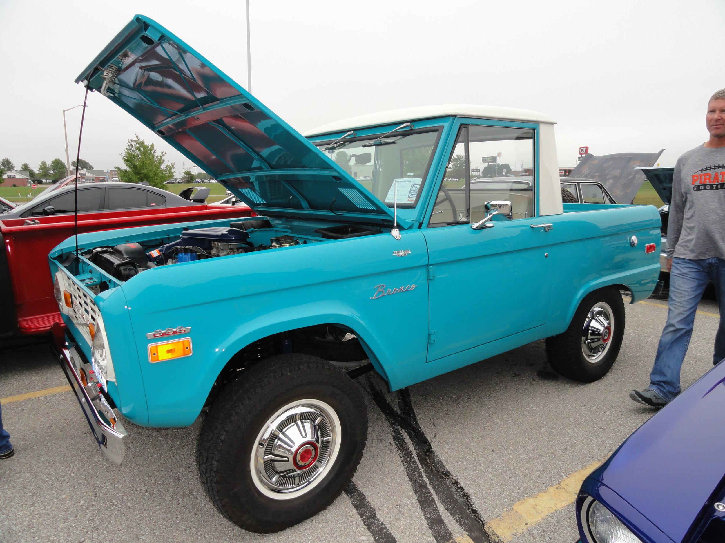 1965 ford bronco half cab.JPG