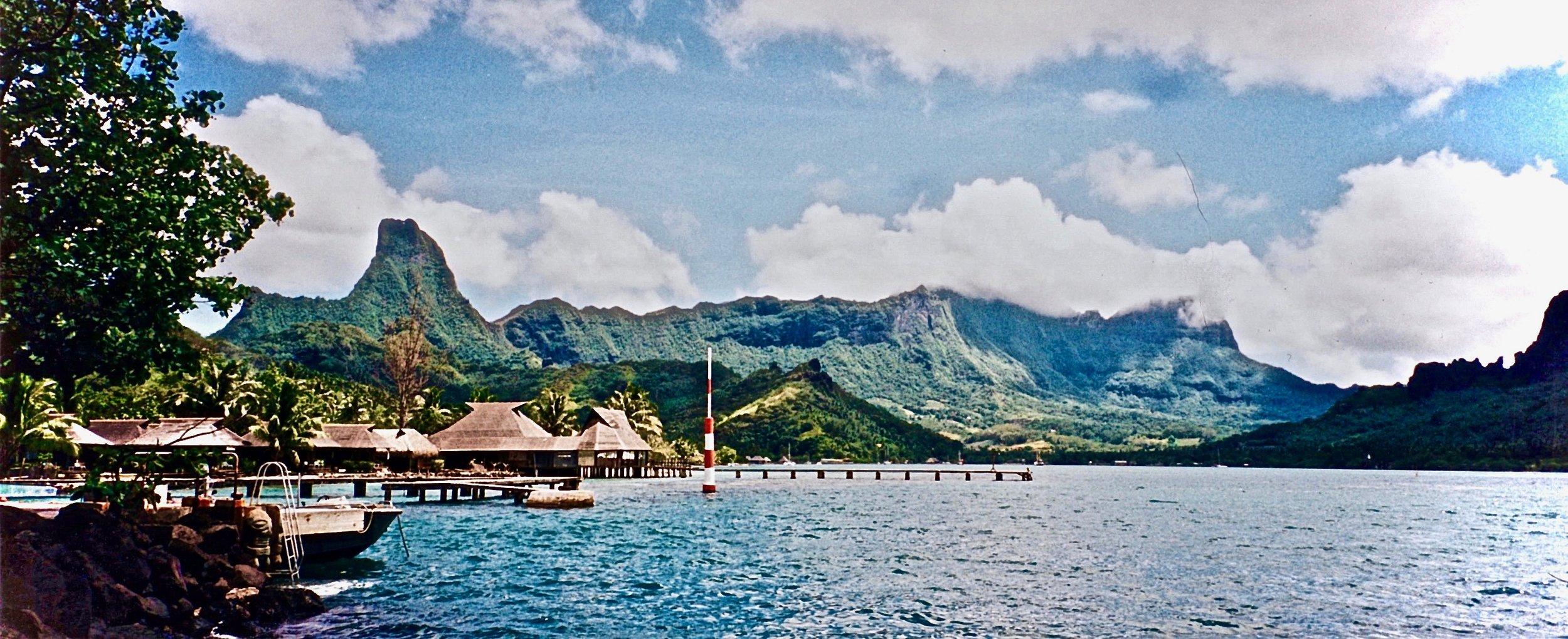 Tahiti perfect view huts water.jpg