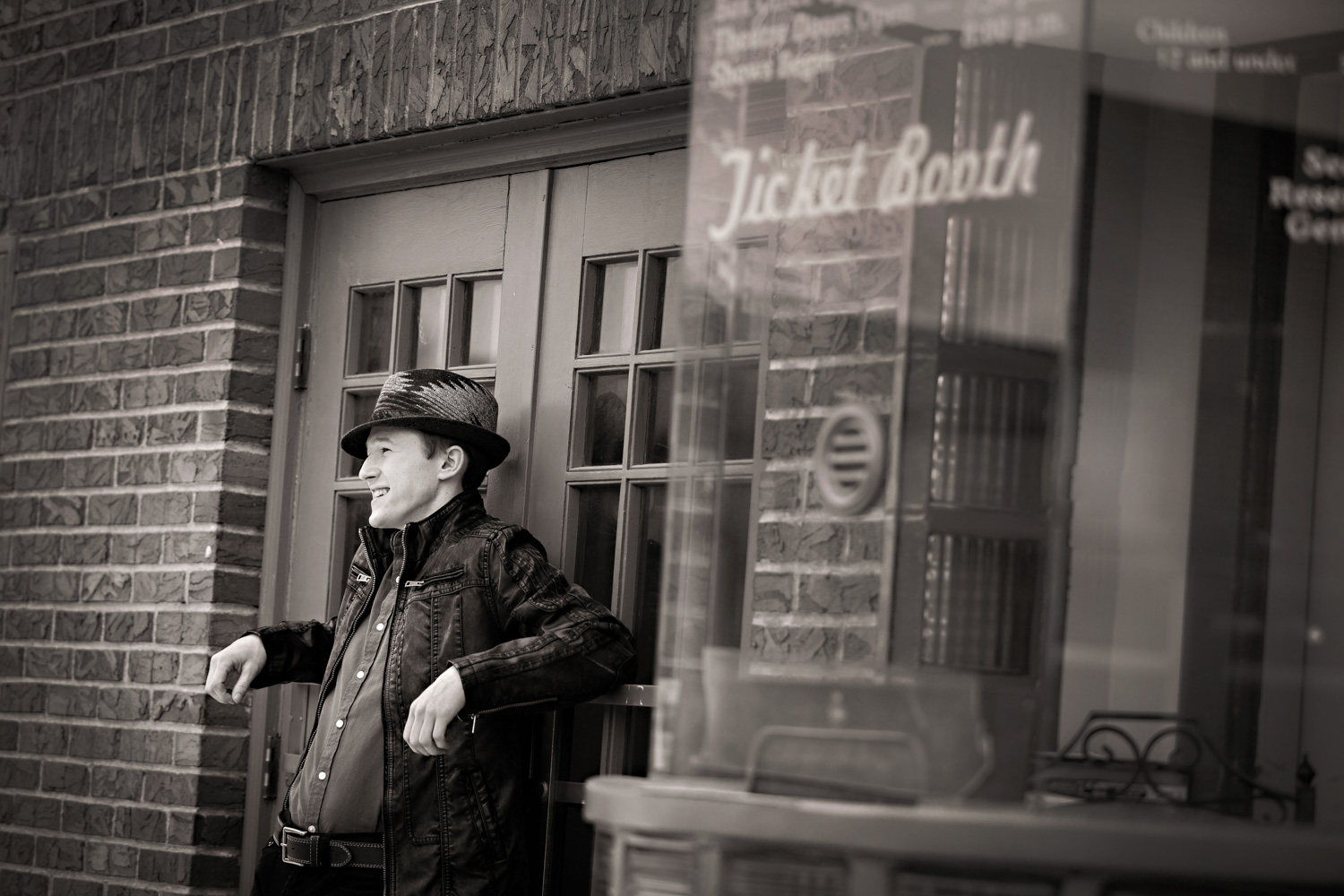 black and white urban portraits hillary frost photography.jpg
