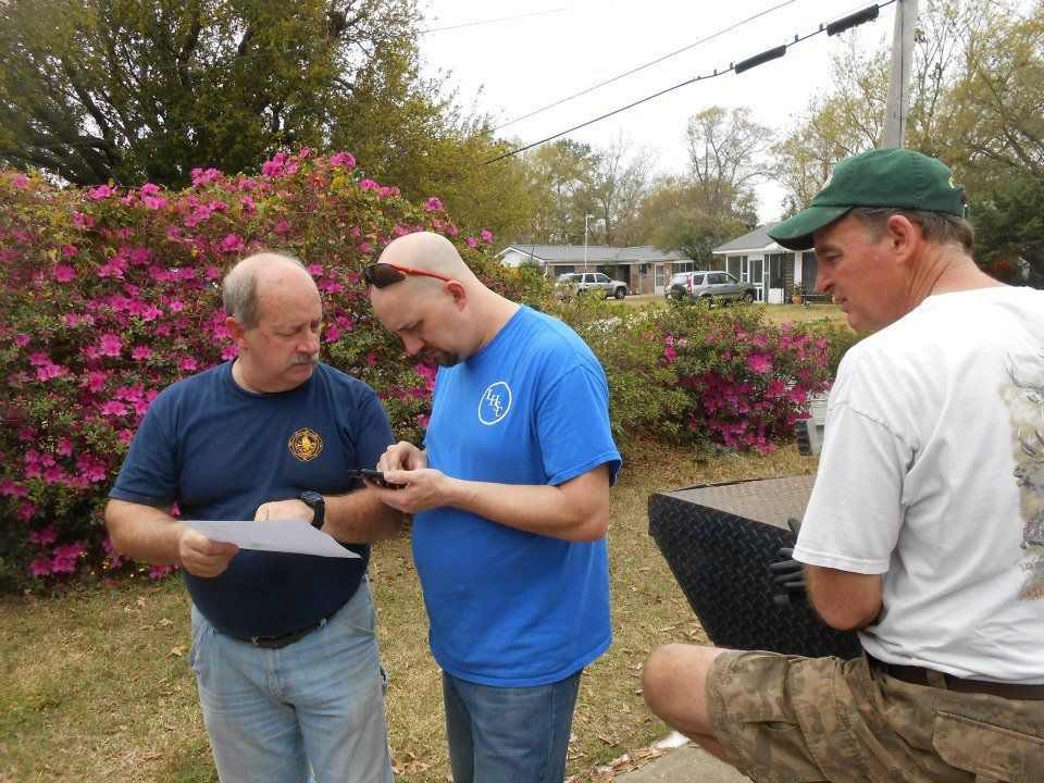 Jim, Nic and Randy do the final estimating of the project details.