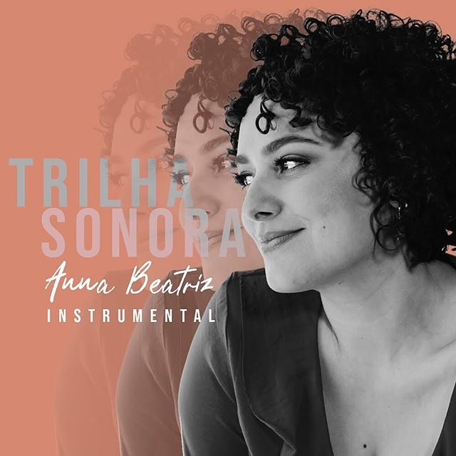 """SURPRISE!!! Today """"Trilha Sonora"""" instrumental is out! 🙌🏼 If you like to listen to instrumental music while cooking, meditating or resting go to #spotify #itunes #deezer and more and get your copy! Let me know how you like it! Also, today 12:30pm (LA time) I am being interviewed by Camões Radio (Toronto)! Check the insta stories for more updates! #instrumental #instrumentalmusic #piano #trilhasonora #singleoutnow #meditationmusic #freedom #music #life #compositora #songwriter"""