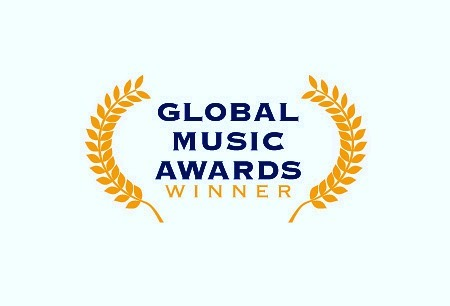"""So this happened! Thank you so much for all of your support !!! """"Trilha Sonora"""" won a Global Music Award (Category: World Music, Bronze). This is super exciting! I was out in a wedding when my mother in law sent me a picture of the letter I received in the mail. I am so grateful for the journey and can't wait to see all He has in store for this season. Have you watched the video yet? Link in bio 😊 #dontgiveup #awards #globalmusicawards #globalmusic #single #trilhasonora #musicaautoral #originalmusic #musicabrasileira #singersongwriter #cantora #compositora #braziliansinger #losangeles"""