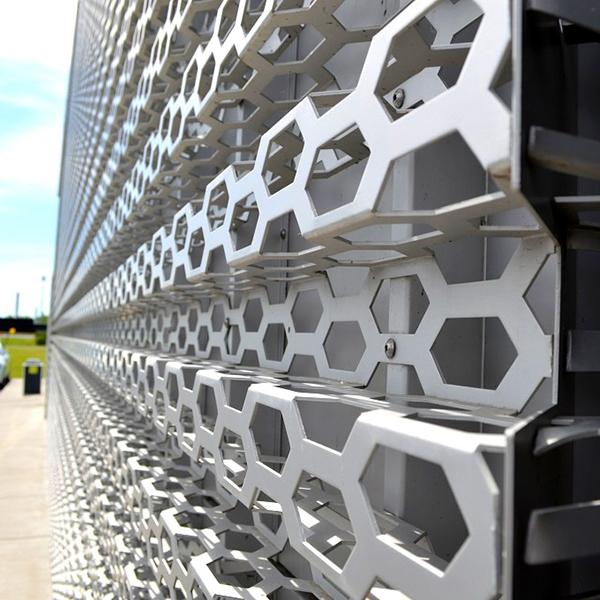 Audi-Brossard-aluminium-déployé-projets-spéciaux.jpg