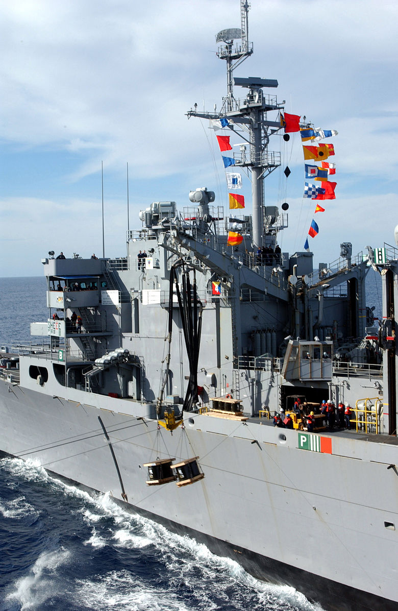 US_Navy_030120-N-0233J-004_Sacramento_conducts_both_an_underway_replenishment.jpg