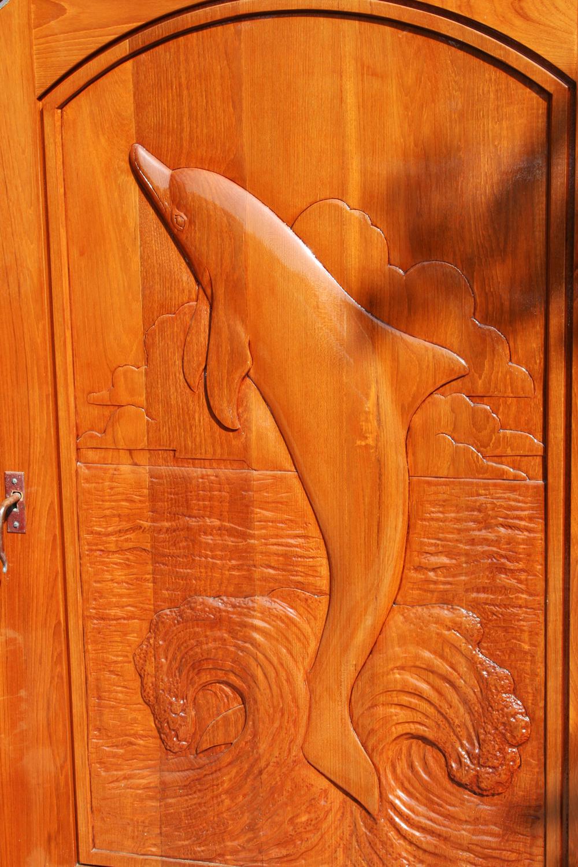 Dolphin-2.jpg