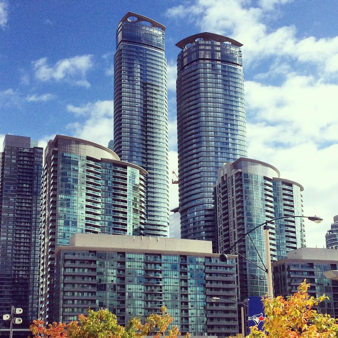 Beautiful fall day in the Tdot. Snapped this picture walking on #bremner passing #ripleysaquarium. In this pic are some of the key buildings in #southcore. #mapleleafsquare and #Infiniti. Find out the pros and cons about this area. Talk to @j.chang88 or @ravisingh5 for the inside scoop on changes to this area and development across the #city.      #downtownTOliving #remax #remaxhallmark #torontorealestate #realestate #torontocondos #condolife #condoliving