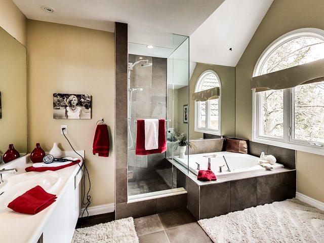 This exquisite bath belongs to a home in # Unionville #markham  Sold 109% of asking price #EastGTALiving #pickering #ajax #torontoigers #torontorealestate #remaxhallmark #remaxhallmark #bestofdurham # Hollingham
