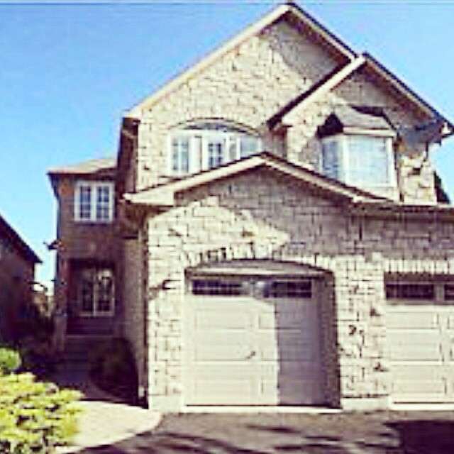 Our new #listing is absolutely awesome. 3 bedroom plus second floor loft, finished basement, dark hardwood, beautiful landscaping. Come by our #openhouse this Thursday, Saturday or Sunday and say hi to @crystal_ferrari . #1745whitecedar  in #pickerin. #durhamregion #durham #realestate #pickeringrealestate #singhteam #remax #remaxhallmark #eastGTAliving
