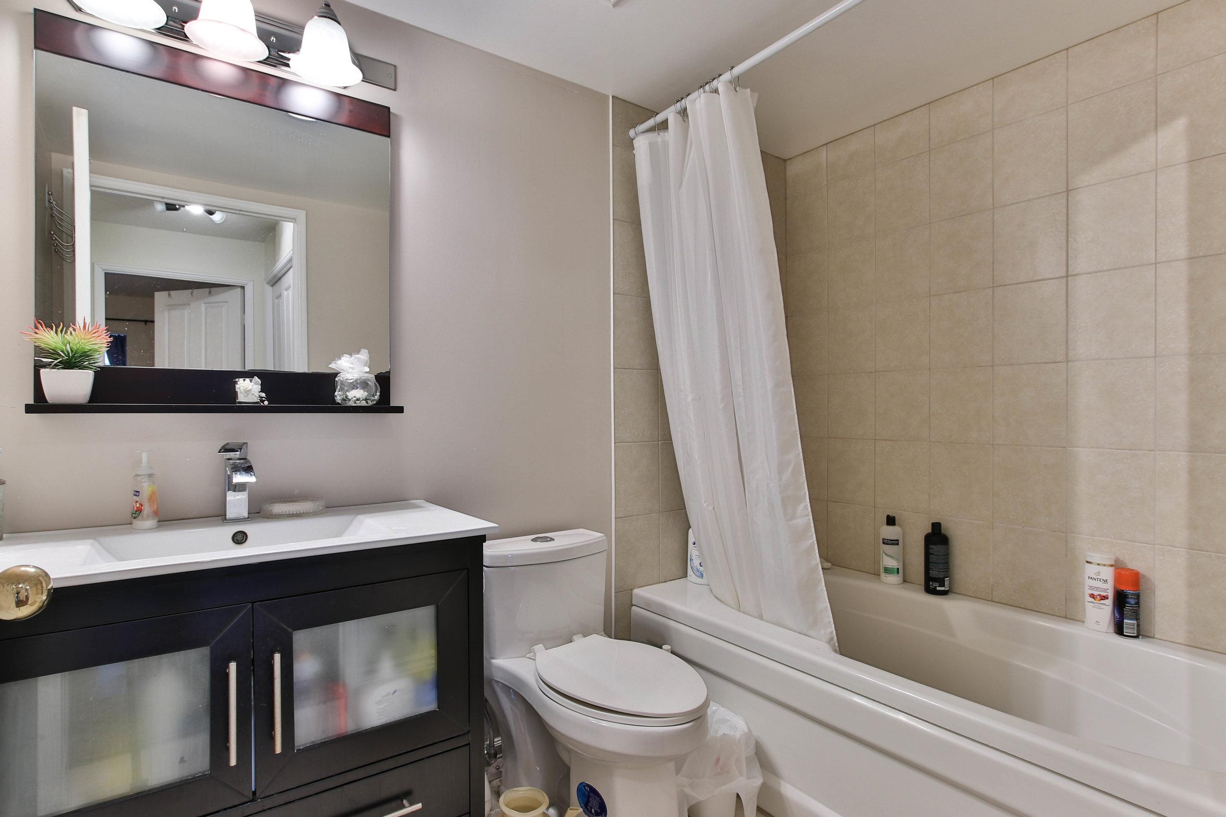 15_Washroom-3287.jpg