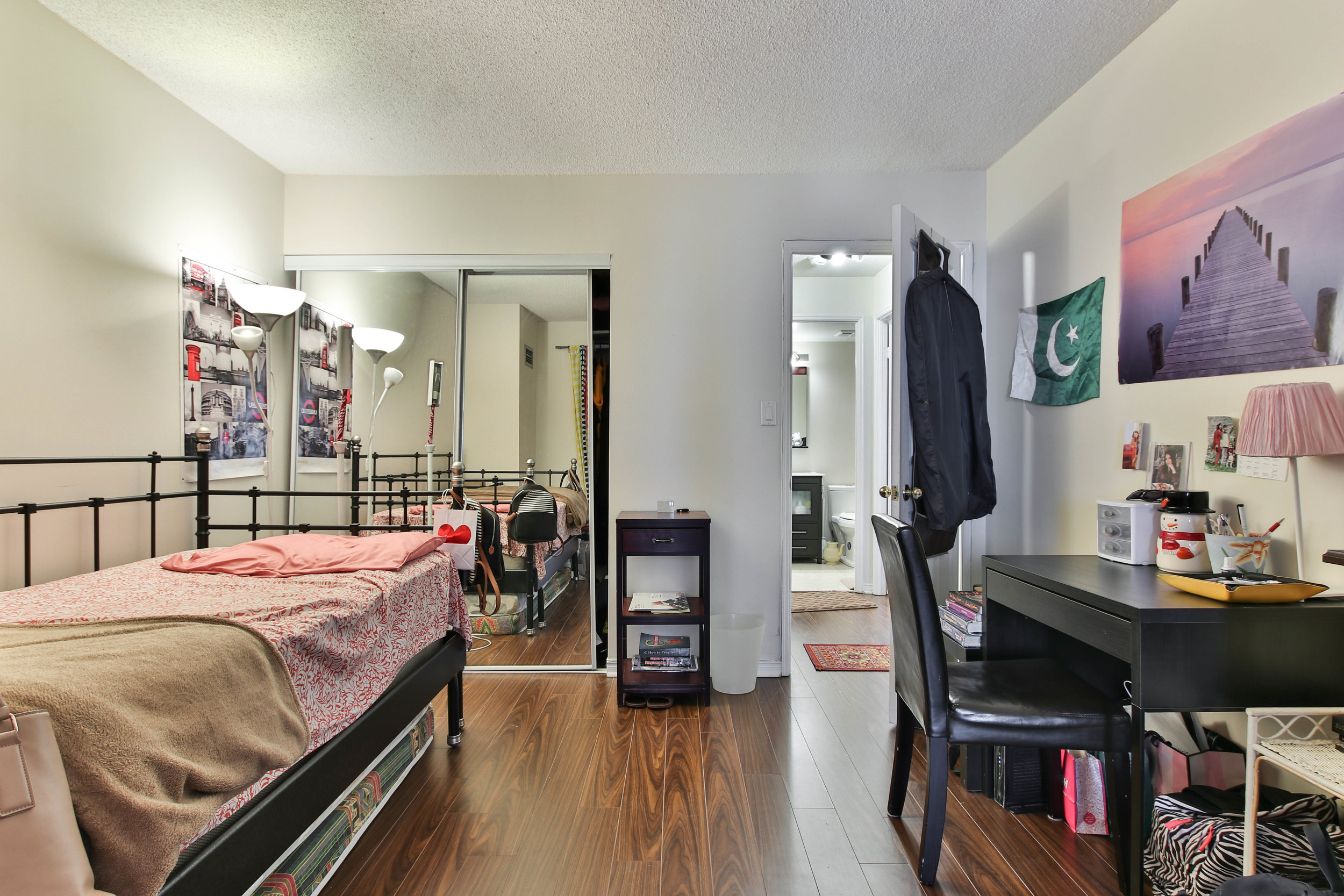 17_Bedroom-3289.jpg