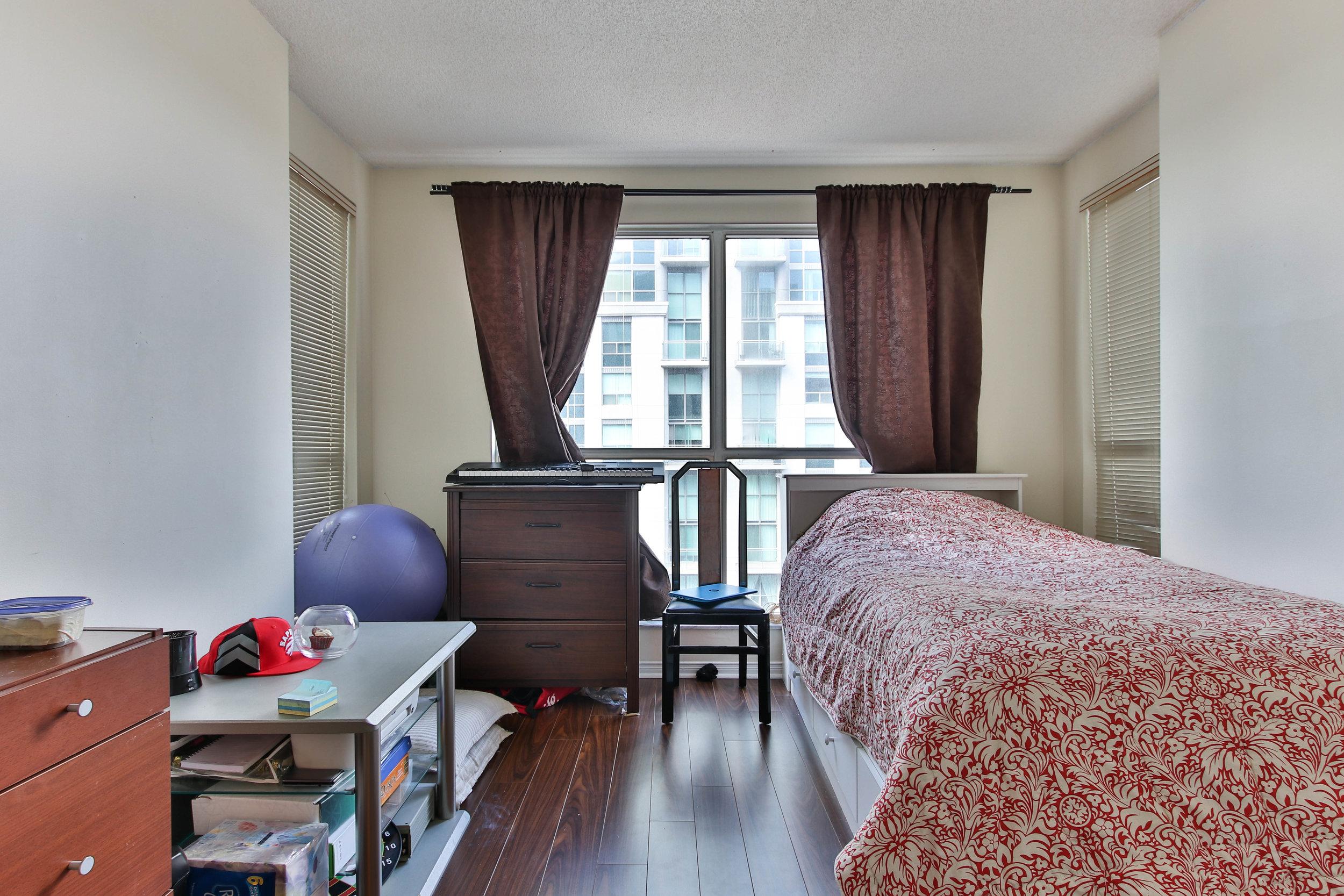 18_Bedroom-3290.jpg