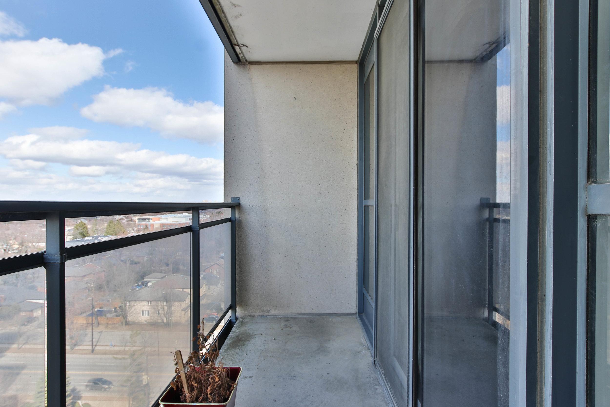 28_Balcony-3300.jpg