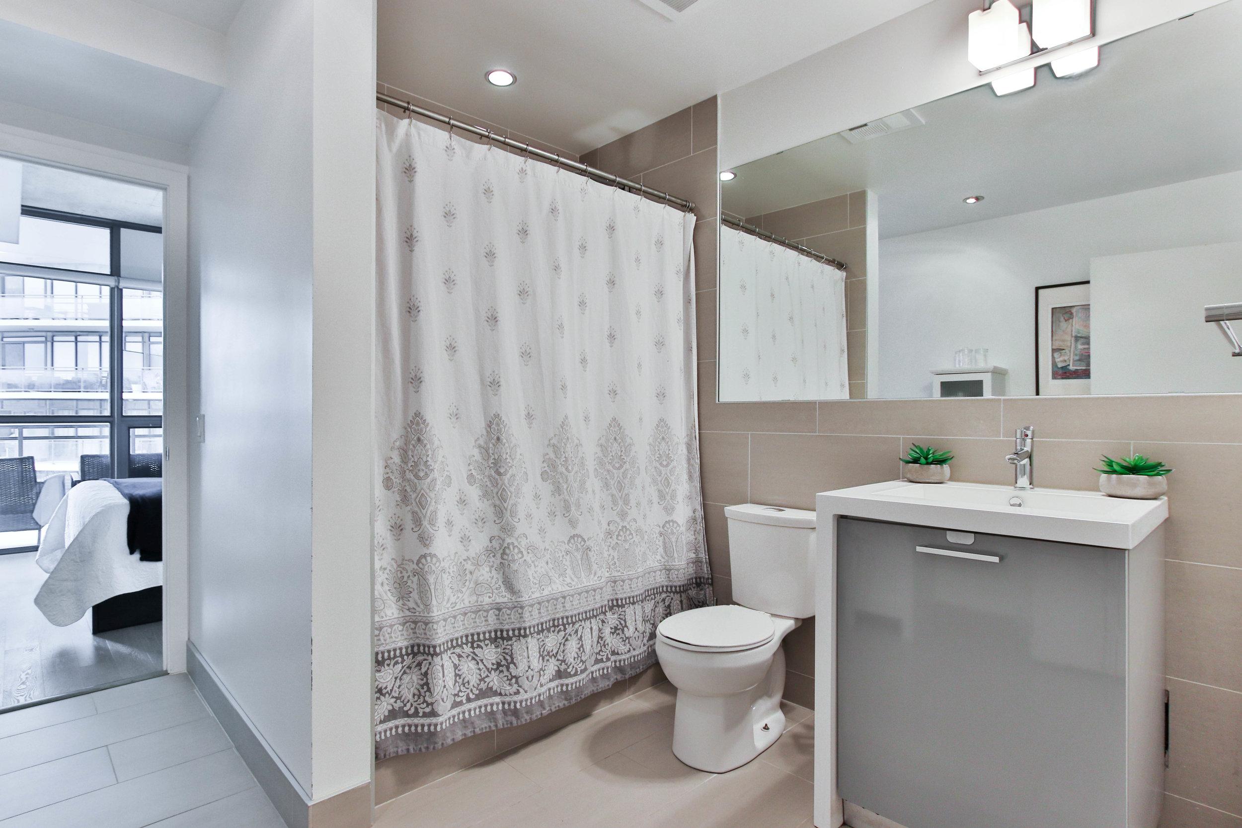 21_Washroom.jpg