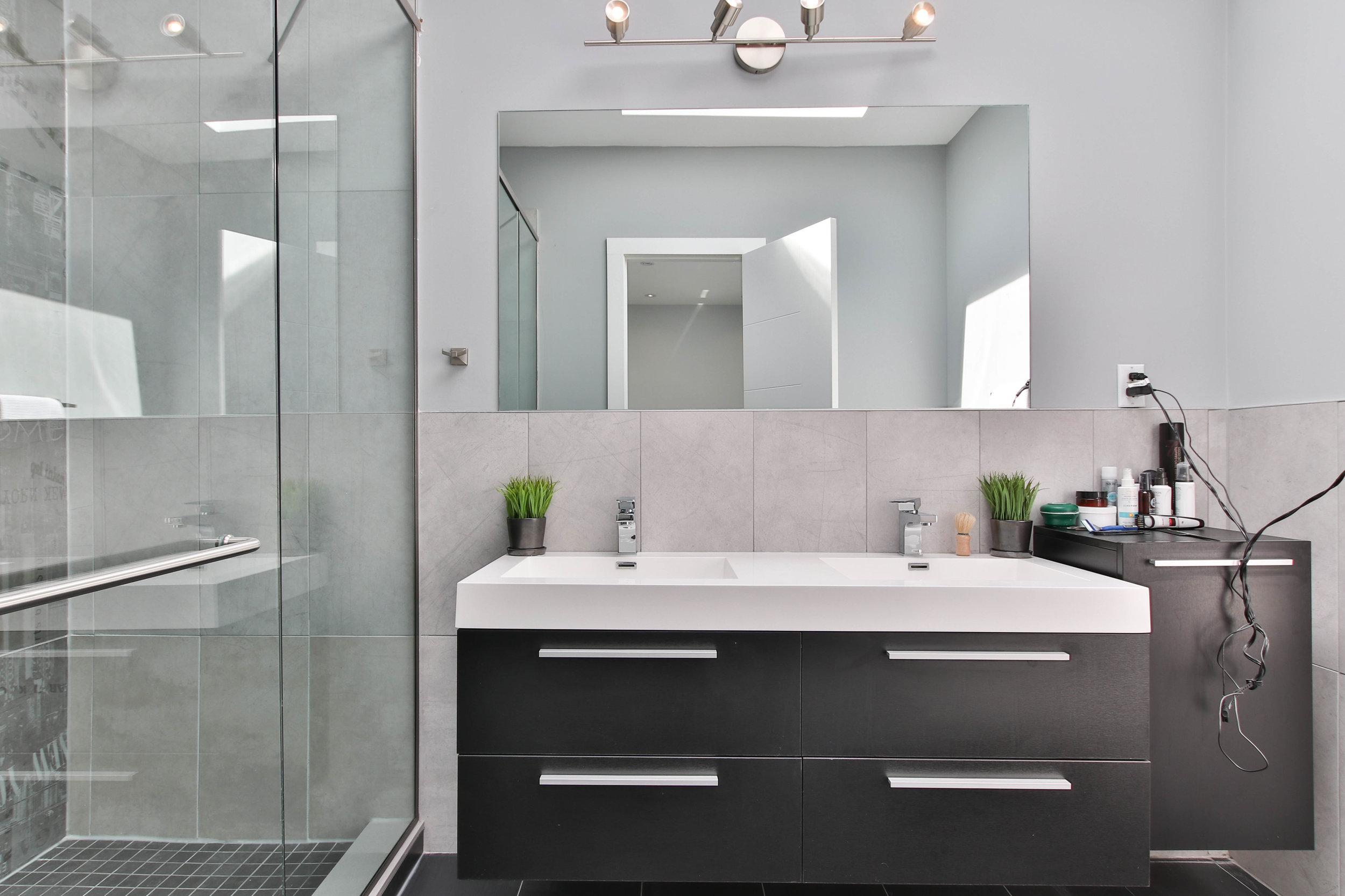 32_Washroom.jpg