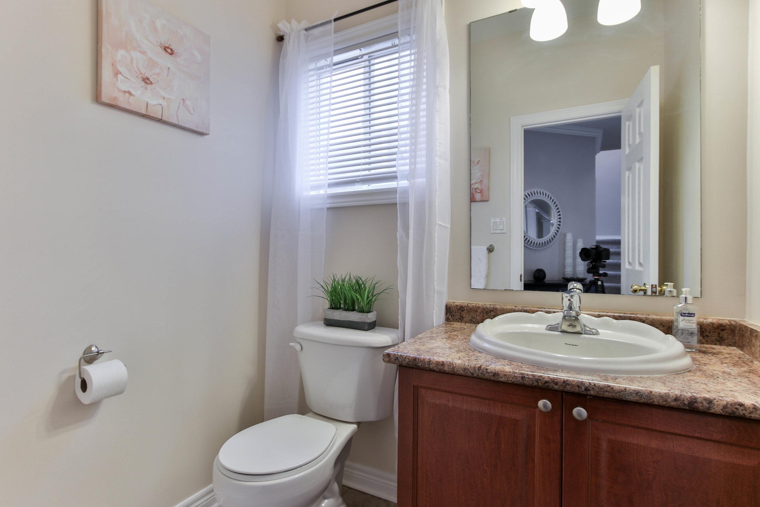 11_Washroom (1 of 1).jpg