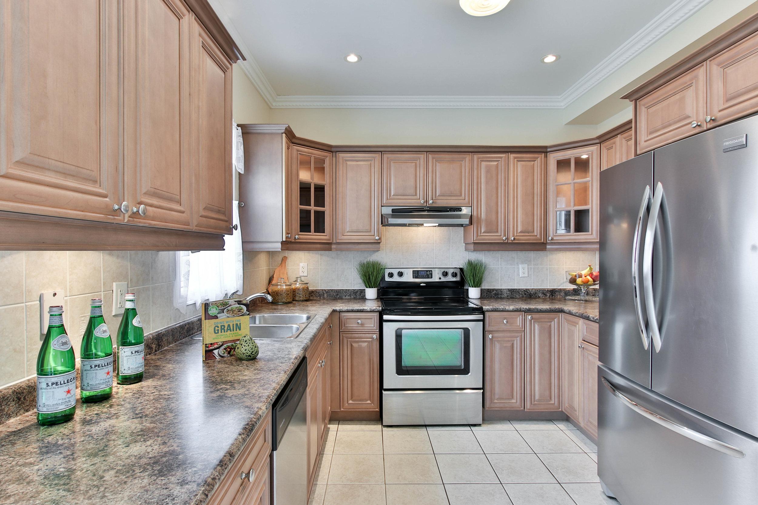 22_Kitchen (1 of 1).jpg