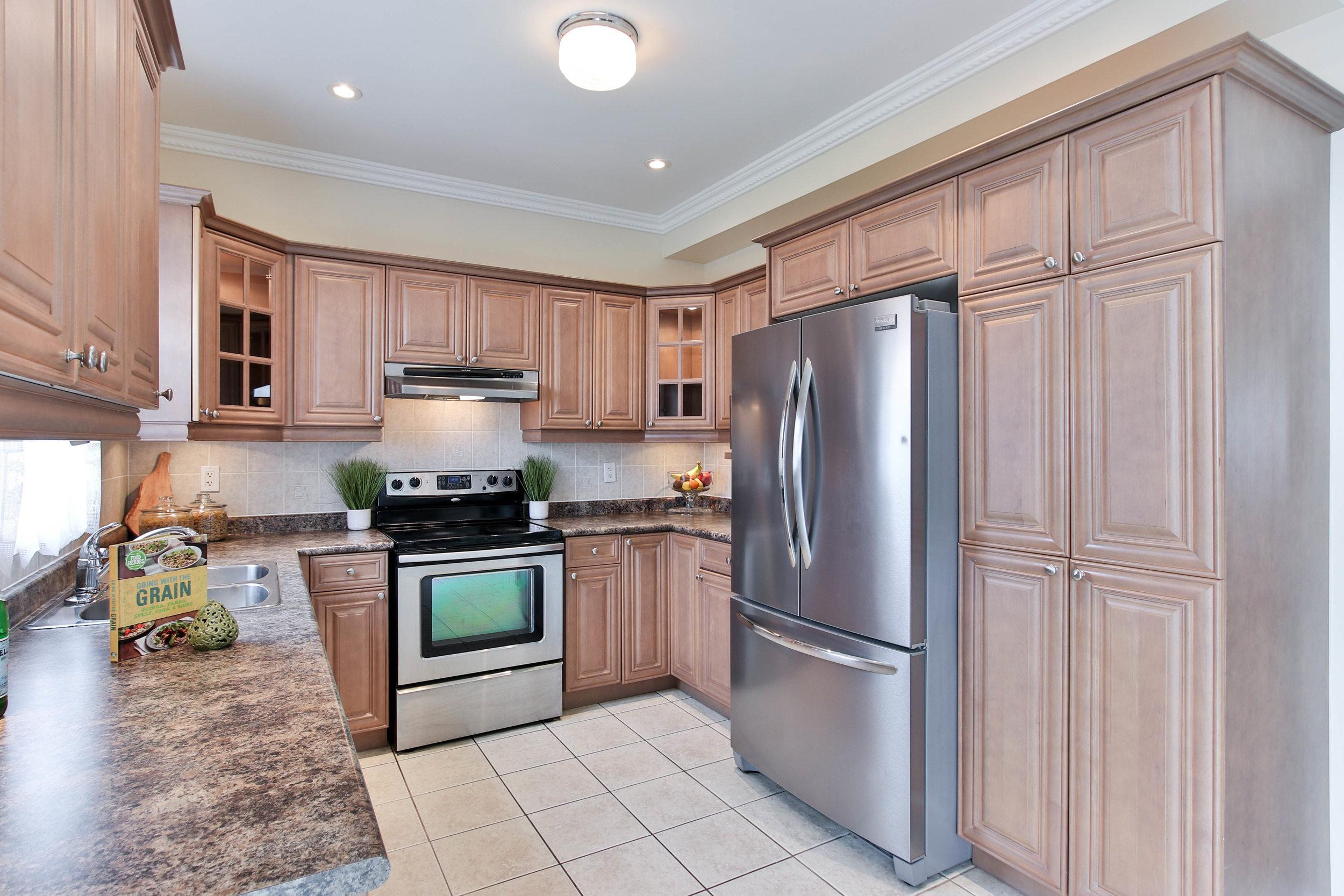 23_Kitchen (1 of 1).jpg