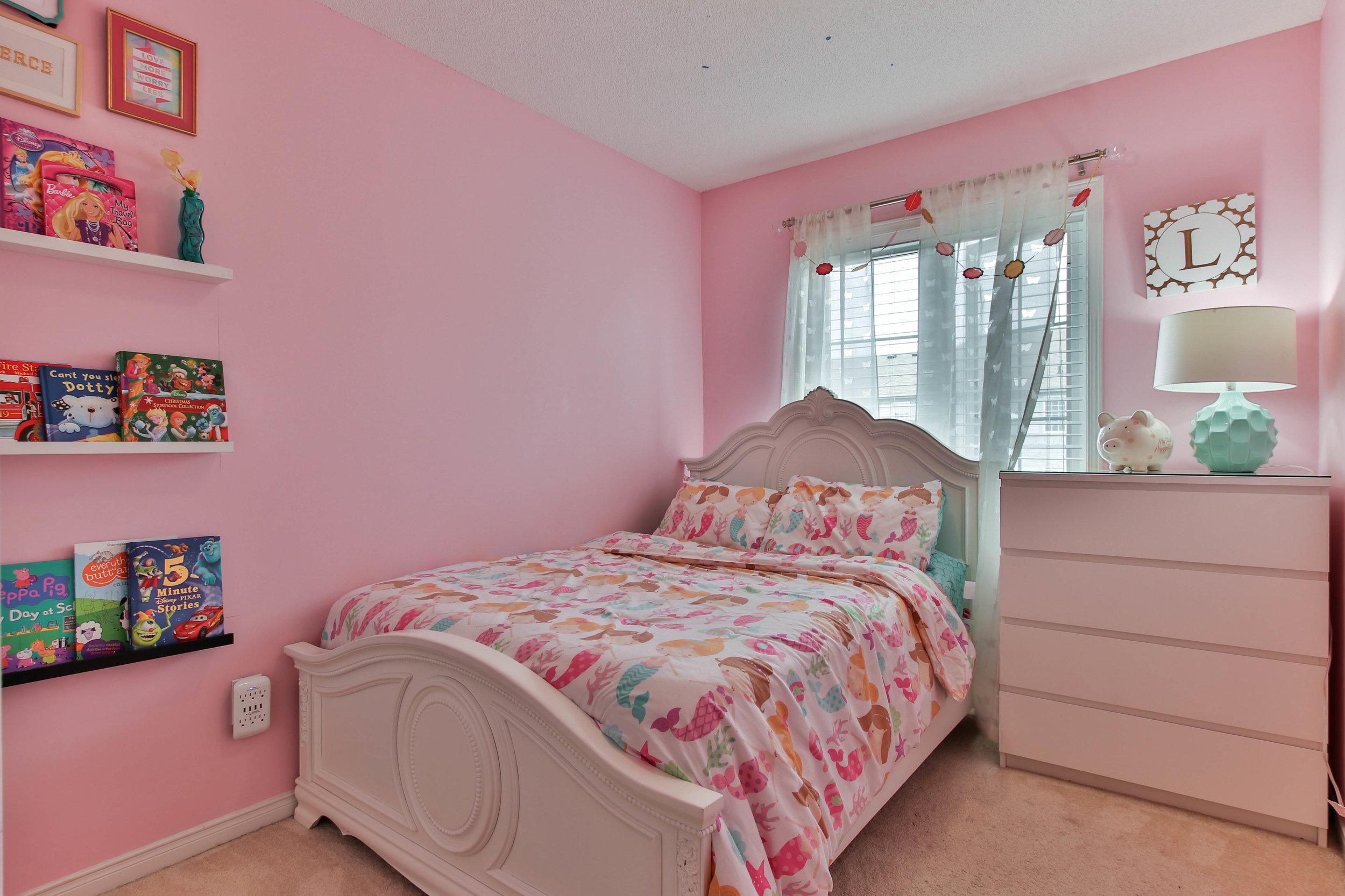 18_Bedroom (1 of 1).jpg