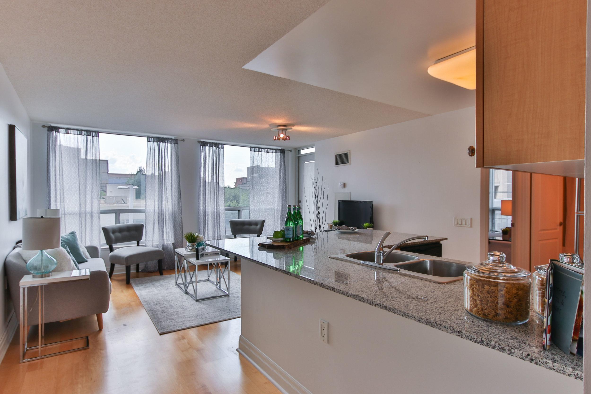 08_Livingroom.jpg
