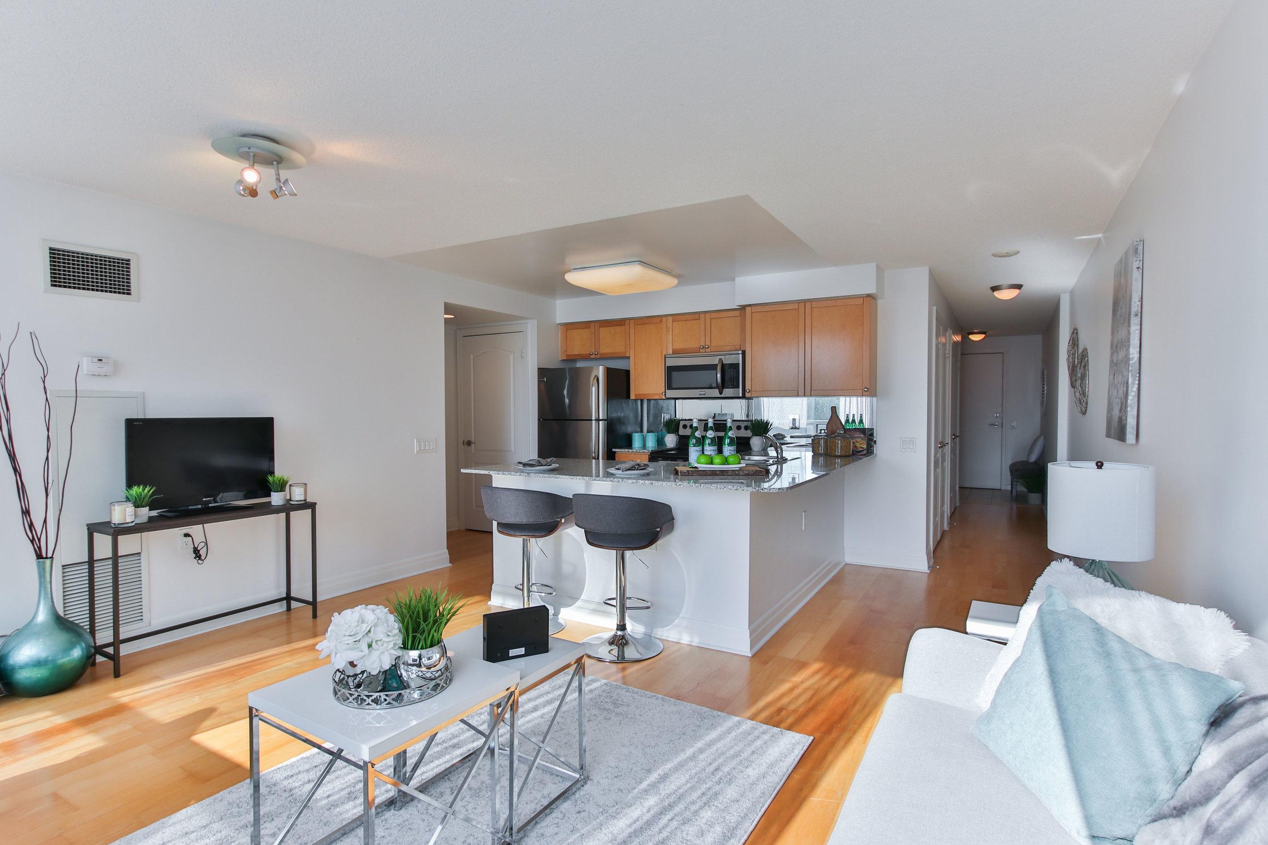 13_Livingroom.jpg