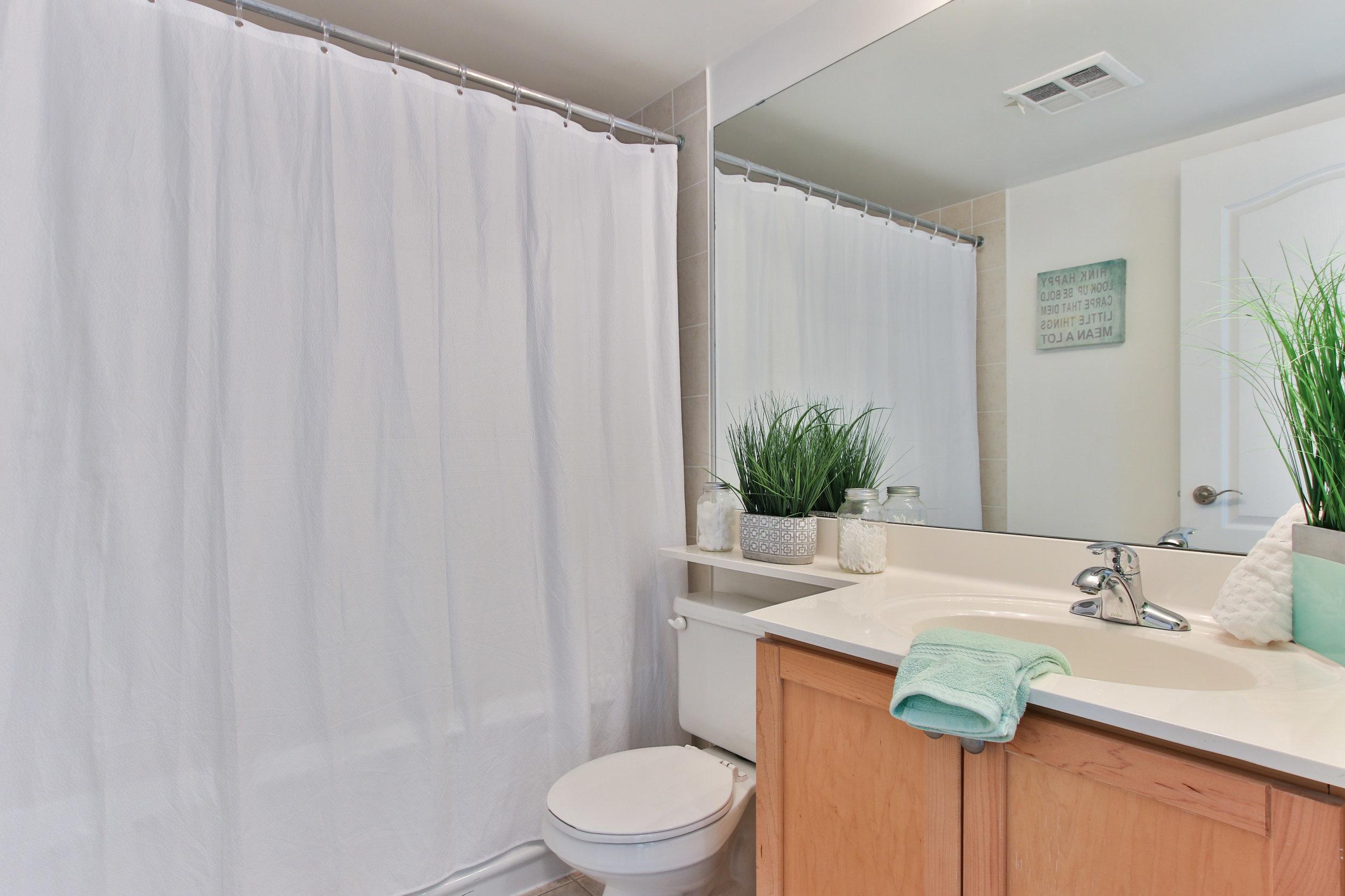 19_Washroom.jpg