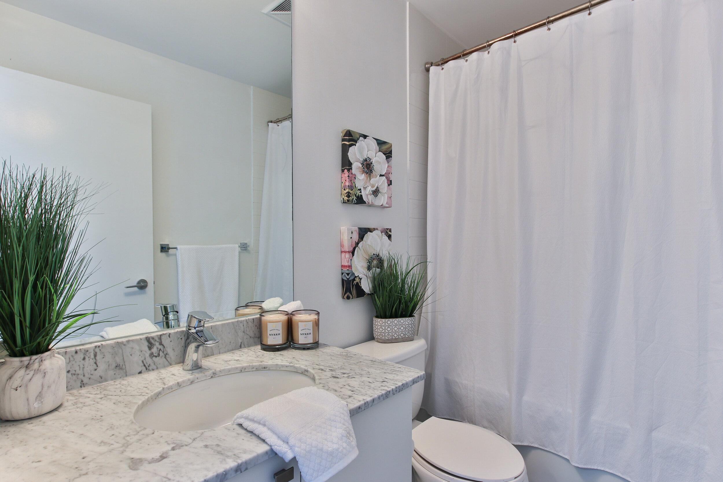 4_Washroom.jpg