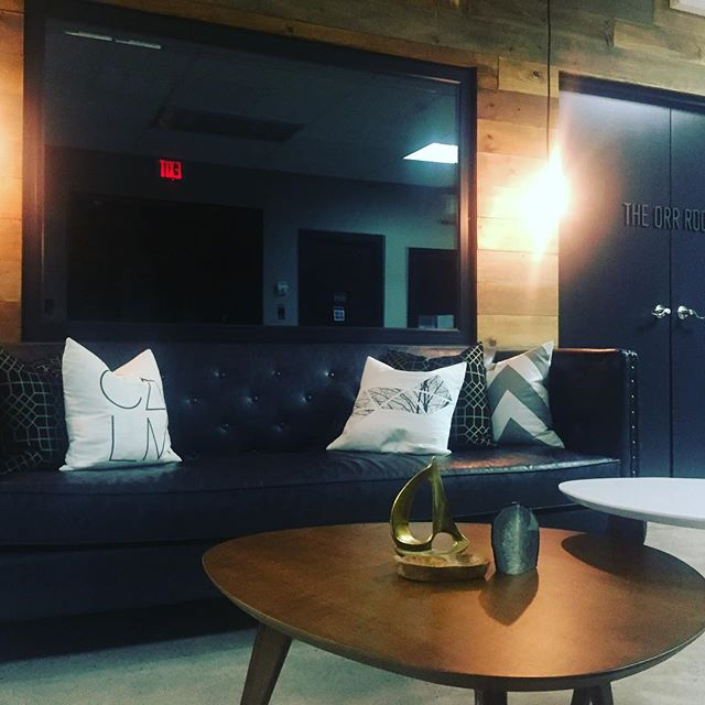 Do you know anyone looking for unique options for office space in the new year? Tell them to contact us at offices@thebridgehfx.ca for more info and availability.  #halifax #thebridgehfx #happyholiday #newyear