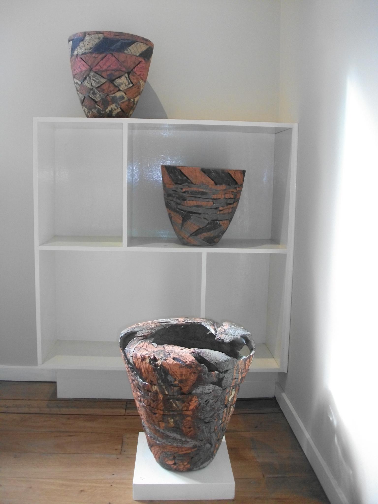 Anne Langridge, stoneware, slip and engobe decoration
