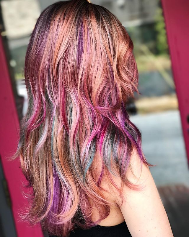 These colors make me want fall to get here much quicker😆 I'm dying in this Georgia heat😂😭 Who else is ready for some cooler weather?! #jshermansalon #unicorntribe #joicointensity #joico #cosmoprofbeauty #licensedtocreate #jeweltones #atlhair #atlantahair #atlantasalon