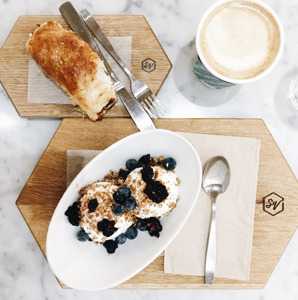 ➷  P R O S - ▻ Great ambience▻ Delicious fresh baked pastries & drinks▻ House made almond milk▻ Lovely service