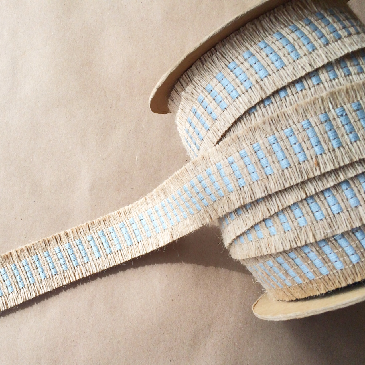 Basketweave Jute Cut Spa