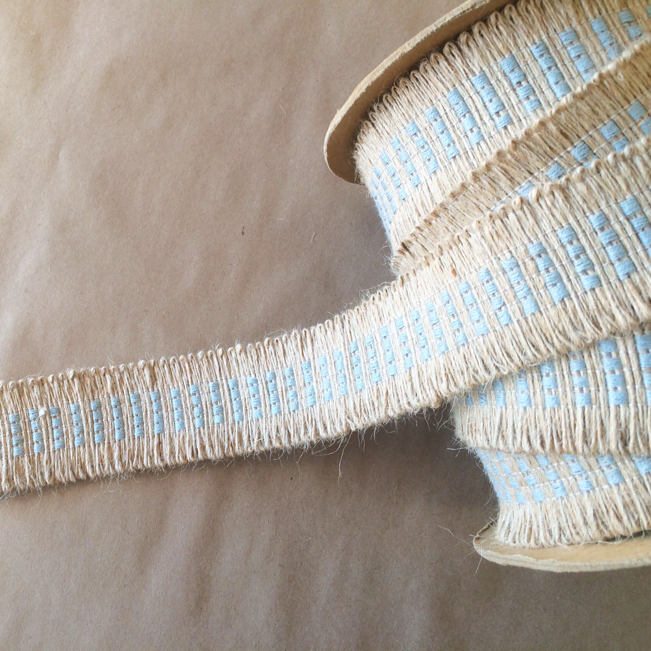 Basketweave Jute Loop Spa