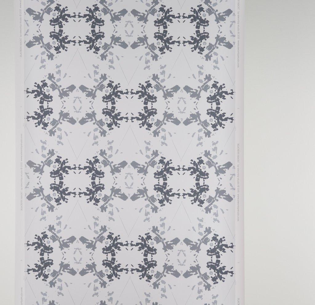 Blackish Magic White wallpaper