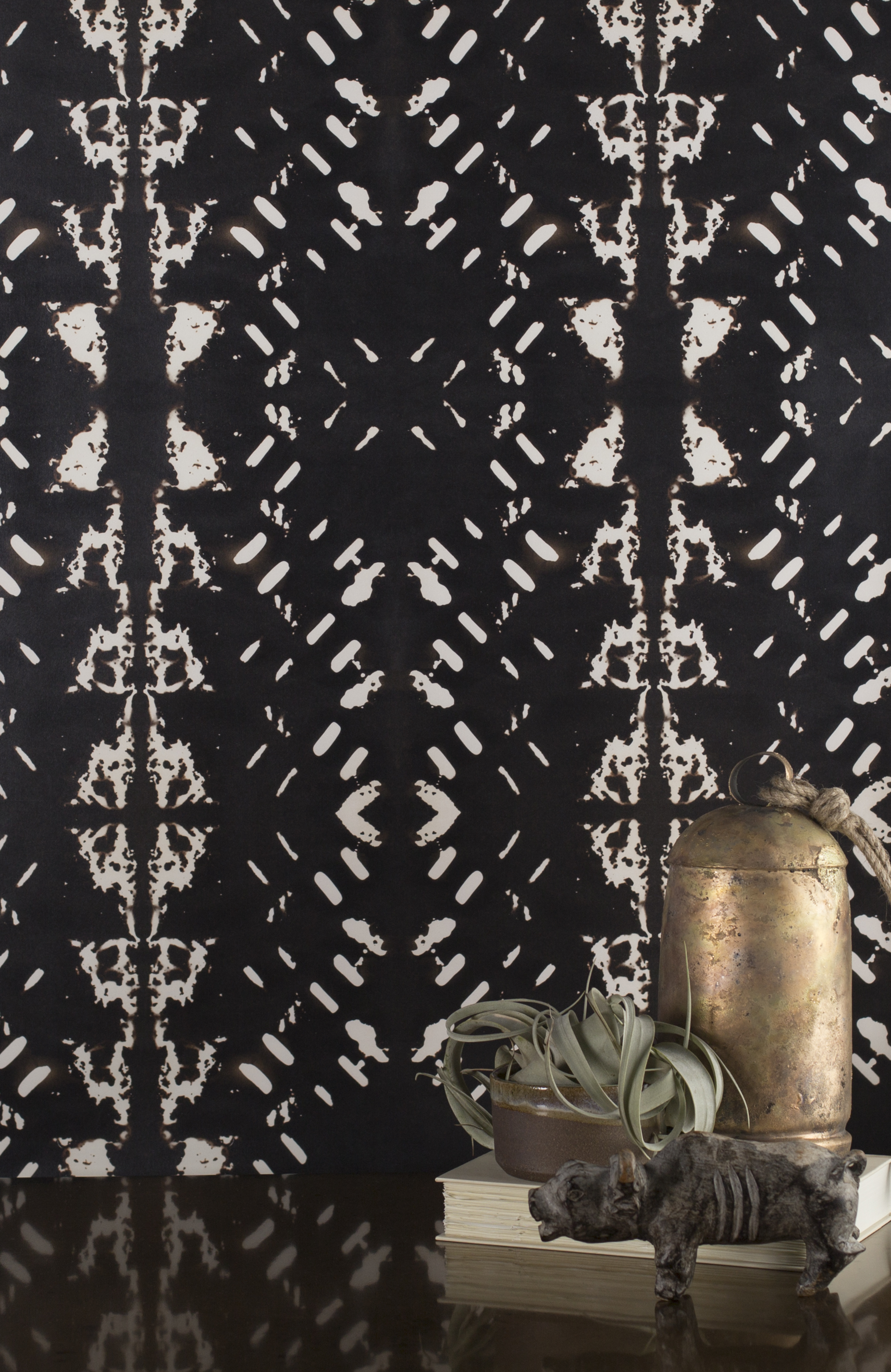 Native Embers Black Wallpaper