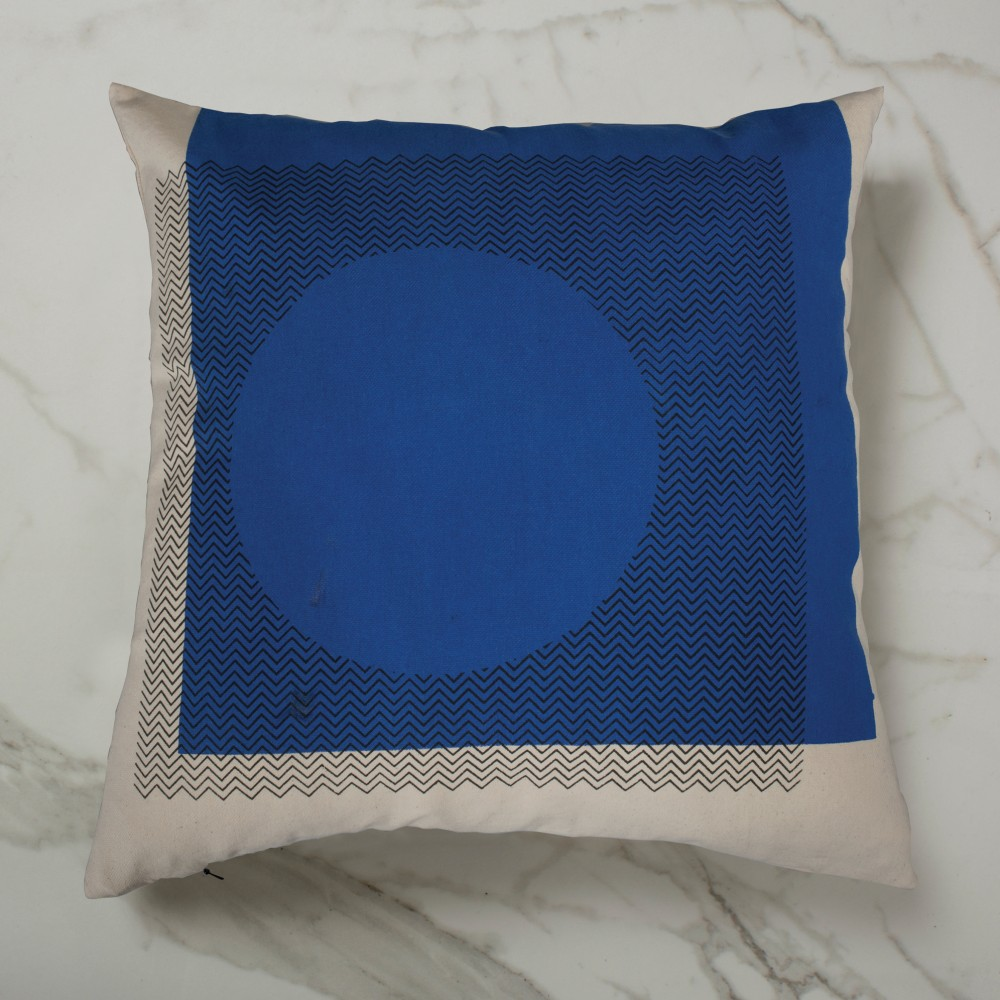 Curve Cushion - Blue Outside