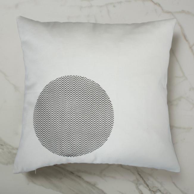 Curve Cushion - White Inside