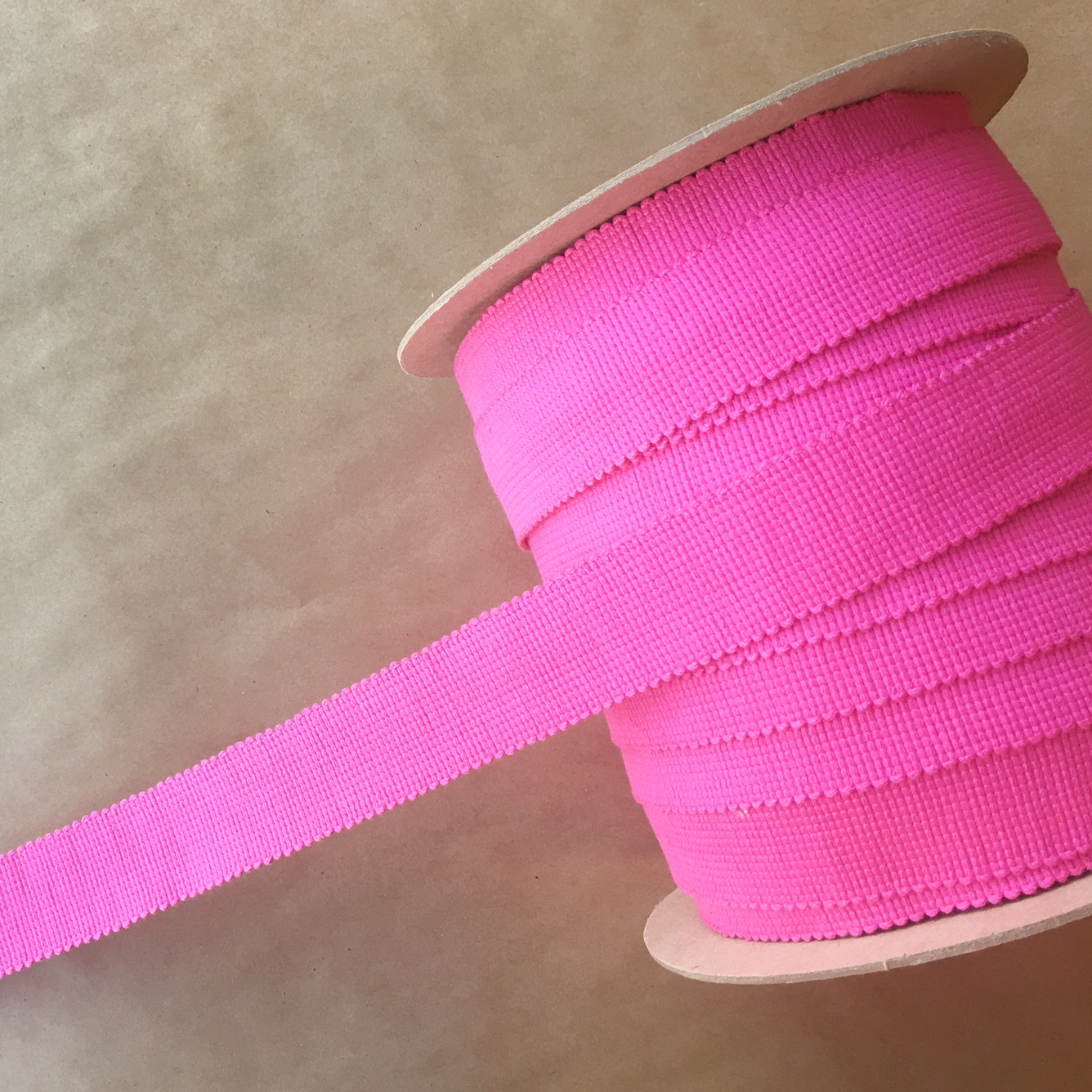 "NAIL HEAD TAPE 1.5"" FUSCIA"