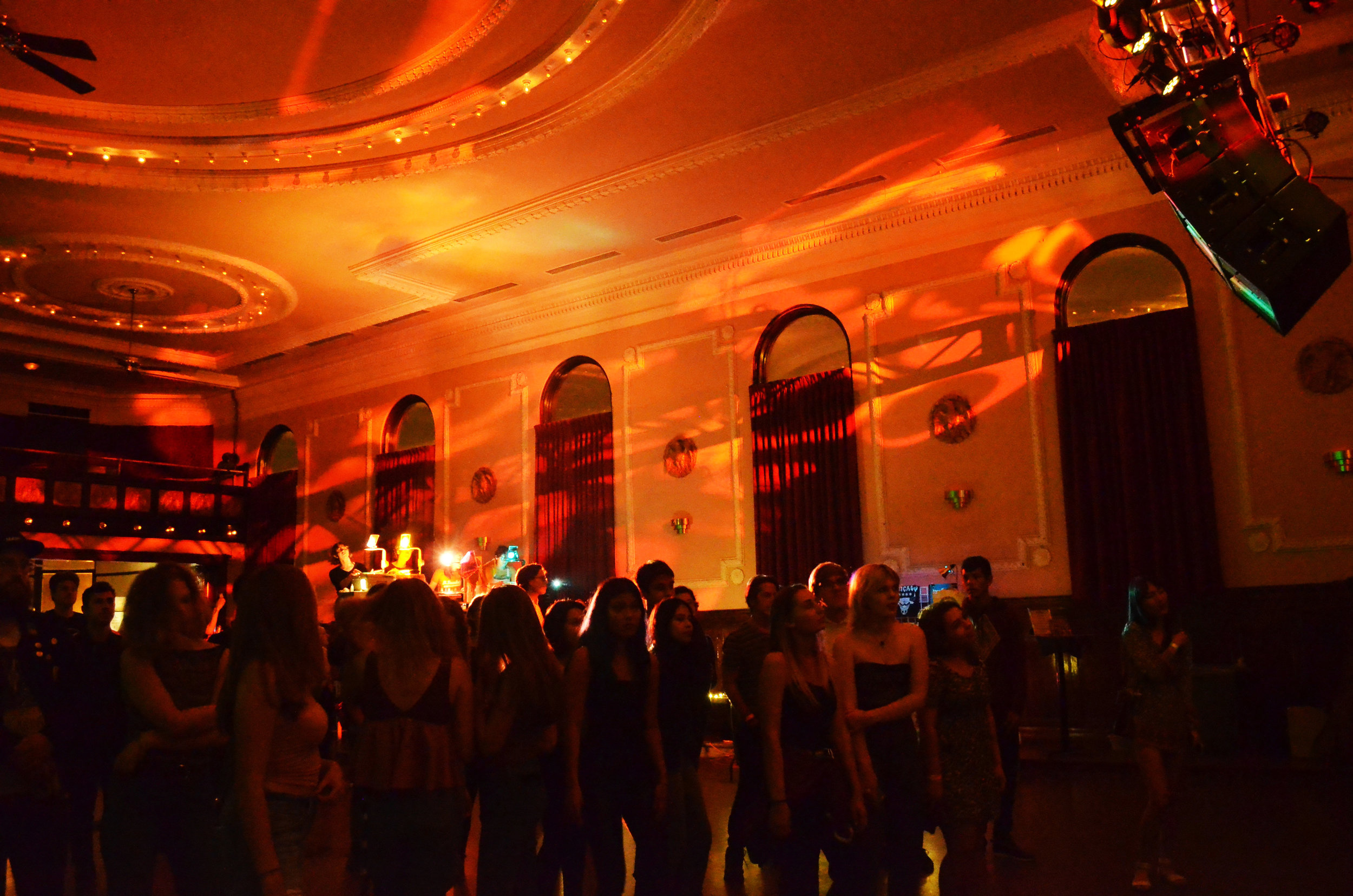 Day One of Warble Daze at the Logan Square Auditorium. Photo by Megan Stringer, co-founder and co-editor in chief.