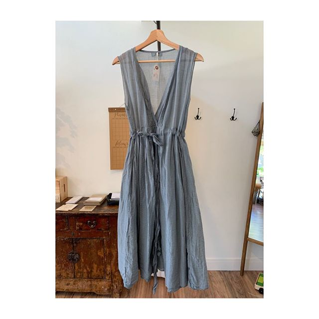 Only one of these left. Size small. Grab it before it's gone 😉  #briarshopbelmont  #sustainablefashion  #shoplocal