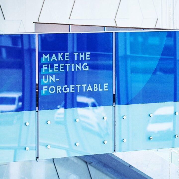 Volkswagen_glasssign.jpg