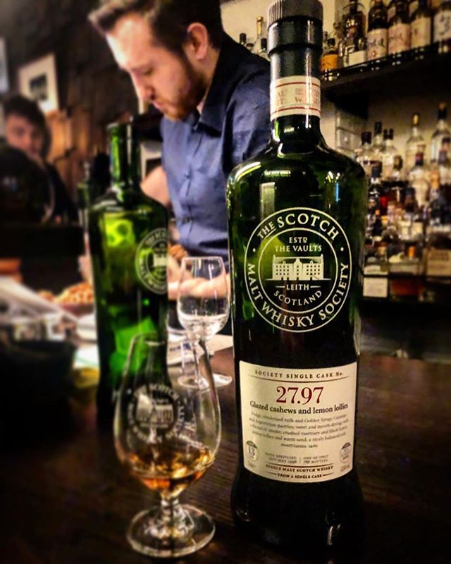 """Seriously stonking review and photo from @greywhisky at @whiskyandalement for a birthday celebratory dram 👏 . . #Repost @greywhisky ・・・ SMWS 27.97 Springbank // ⭐️⭐️⭐️⭐️ // """"Glazed cashews and lemon lollies"""". A very good older @smws_aus dram to kick off my birthday festivities earlier this week at @whiskyandalement - distilled in 1998 and bottled from a refill sherry gorda in 2012.  Loads of Campbelltown funk on the nose. A super zingy lemon and honey drive the nose. It's met by green almonds and the seaside salt of good sherry.  On the palate lemon zest and gunpowder flooded by red plums and tea cake followed by almond butter.  An interesting finish of oil paints, glue and red grapes. #thesmws #whiskybar #whiskyclub #springbank #smws #oldwhisky #sherrygorda #singlemalt #singlecask #raremalts #whiskyandale #melbournebars"""