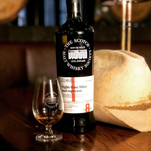 It's #Outturn week and our Malt Of The Month is the sumptuous and charred-cask of 68.23 'Night-time lilies and espresso'. In the Deep, Rich & Dried Fruits flavour profile, after 8 years in a re-charred hogshead, you could be forgiven for thinking this is from a wine cask. Super wine notes, charred sweets and peanut brittle, candy cane and espresso. Lovely stuff. Available by the dram at @shirtbar and @whiskyandalement until emptied, and available by the bottle this Friday 6th Sept at midday for members. Cheers! . . #thesmws #singlecask #motm #septemberoutturn #2019whisky #whiskygram #shirtbar #whiskybar #jointheclub