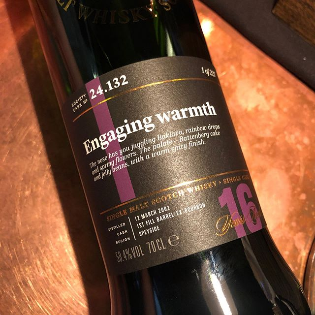 Spotted at the bar tonight at @archierosesyd is this freshly-opened rarity from a couple of months back: cask 24.132 Engaging warmth. Have a great weekend malt mates! . . #thesmws #archierose #engagingwarmth #macallan #singlecask #thesociety #rosebery #spicyandsweet #premiumwhisky